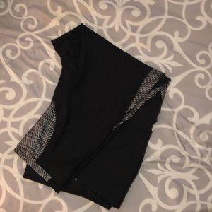 Nike Capri black w/ trim.  3x EUC